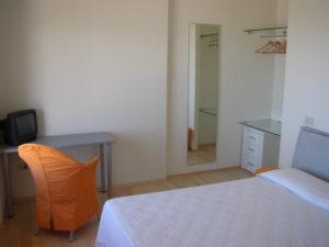 Ristrutturazione Hotel Arenella di Isola del Giglio - Grosseto - particolare degli arredi su misura delle camere F