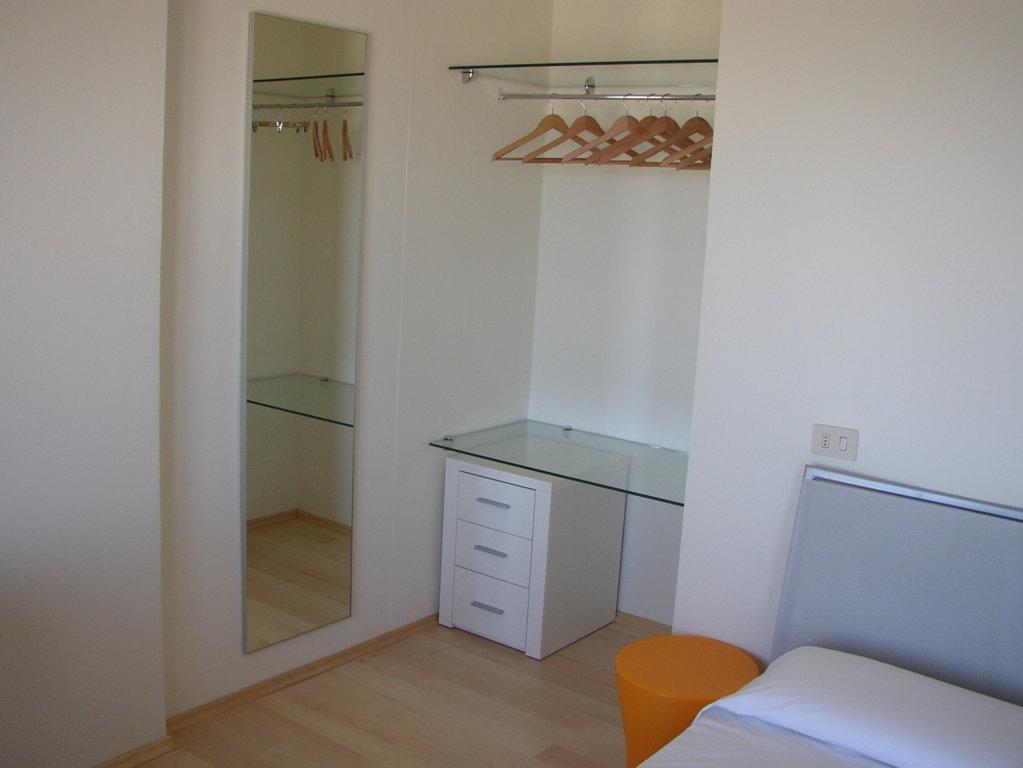Ristrutturazione Hotel Arenella di Isola del Giglio - Grosseto - particolare degli arredi su misura delle camere D