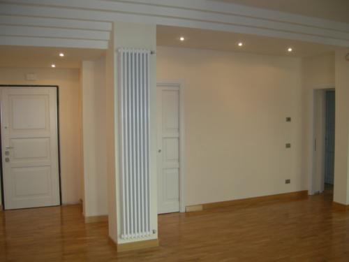 Ristrutturazione edilizia Ristrutturazione Appartamento Galazia a Roma - Mitigazione ingresso, soggiorno, disimpegno