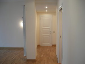 Ristrutturazione edilizia Ristrutturazione Appartamento Galazia a Roma - Dettaglio del soggiorno