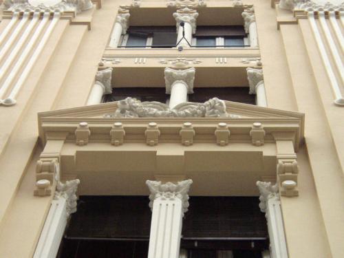 Restauro Edilizio Palazzo Storico Via del Tritone - Roma - Particolare edicole facciata