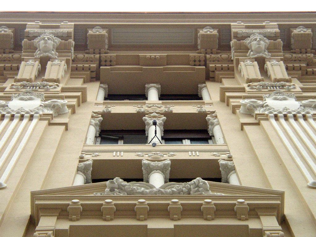 Restauro Edilizio Palazzo Storico Via del Tritone - Roma - Finestre facciata principale