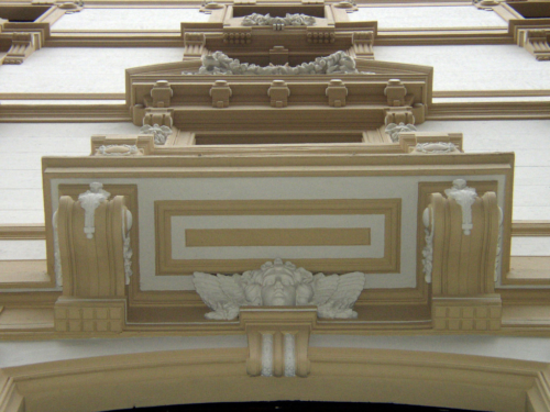 Restauro Edilizio Palazzo Storico Via del Tritone - Roma - Modanatura sotto edicola finestra A